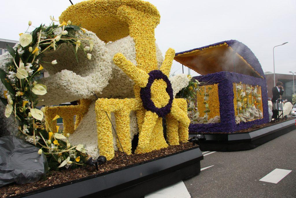Парад (фестиваль) цветов в Голландии